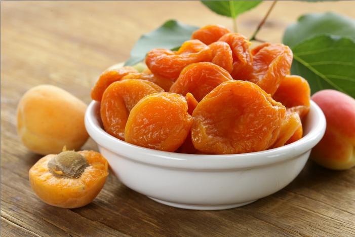 Хранение сушеных абрикосов в домашних условиях